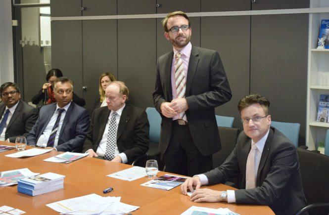 Die Chapter Initiatoren Christian Wachtmeister (2.v.r.)und Prof. Dr. Andreas Stoffers (rechts) laden zum 6. Münchner Round Table ein (gmrt.de)