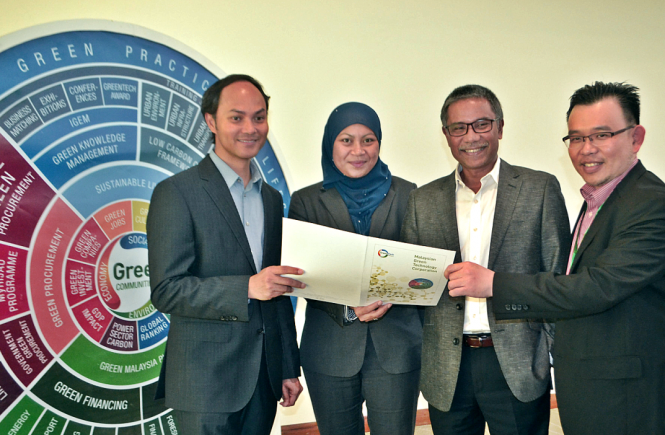 From left Ir. Ahmad Hadri Haris, Group CEO Of Malaysian Green Technology Corporation, Elina Jani,Chief Executive Officer Greentech Ideaslab, Syed Ahmad Syed Mustafa Chief Executive Officer Greentech Catalyst and Woon Foo Wen, Chief Executive Officer Greentech Malaysia Alliances